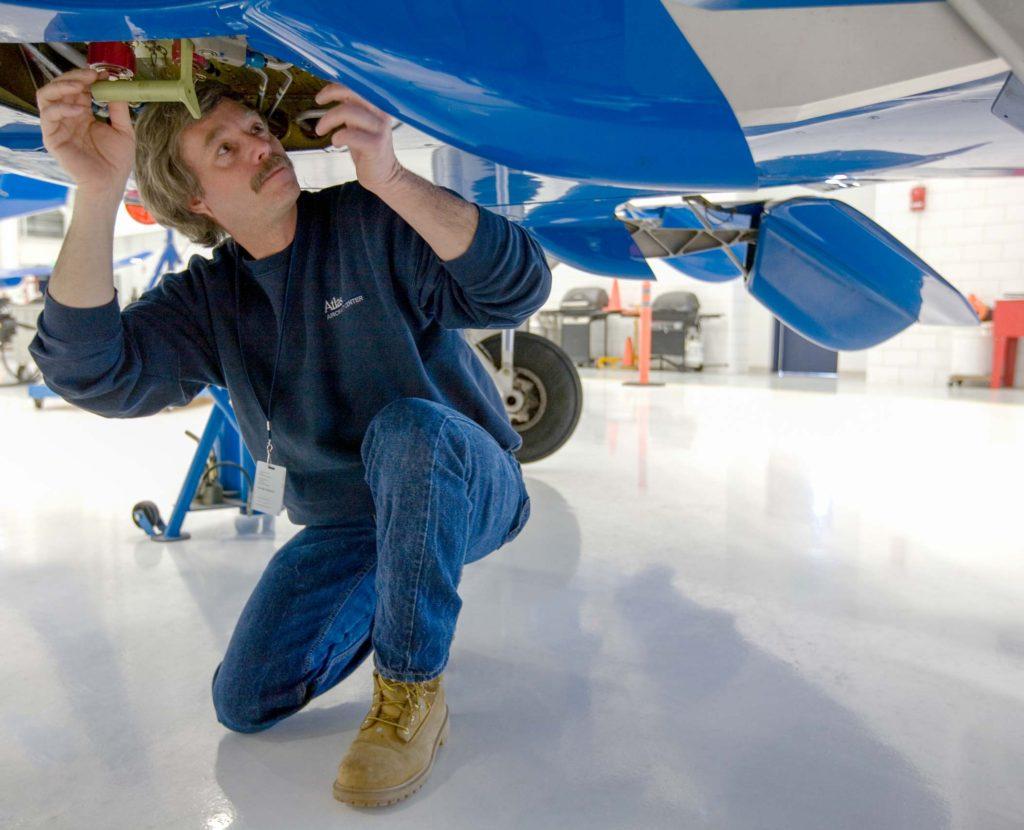 Aircraft Maintenance Amp Avionics Careers 171 Planesense