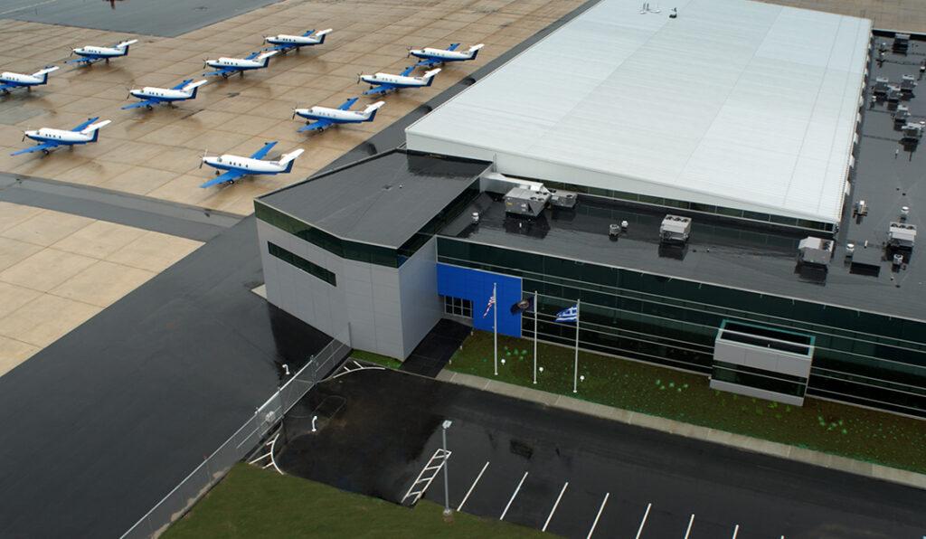 PlaneSense fleet outside of hanger